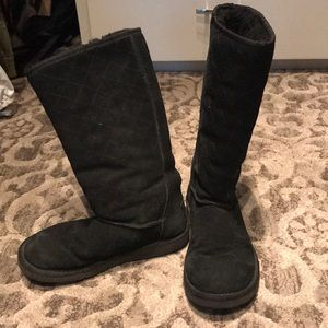 Black quilted tall Uggs